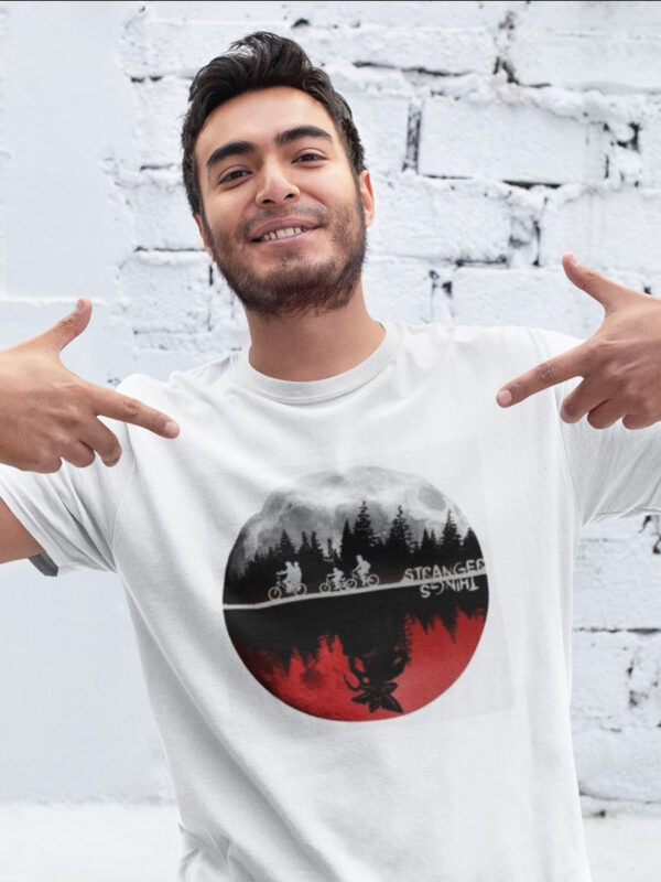 camiseta de stranger things mundos paralelos