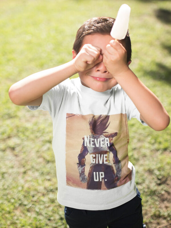 camiseta vegeta never give up para niño