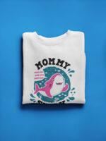 camiseta dia de la madre mummy shark blanca doblada