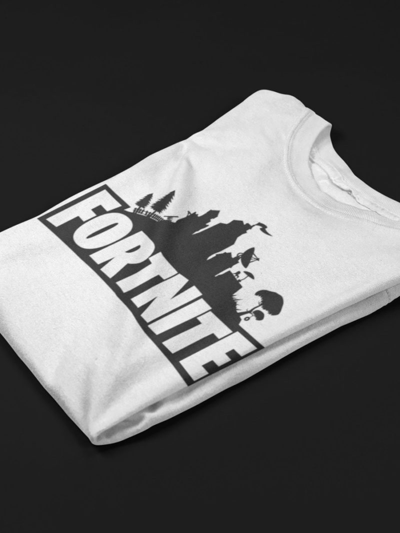 camiseta de fortnite doblada blanca