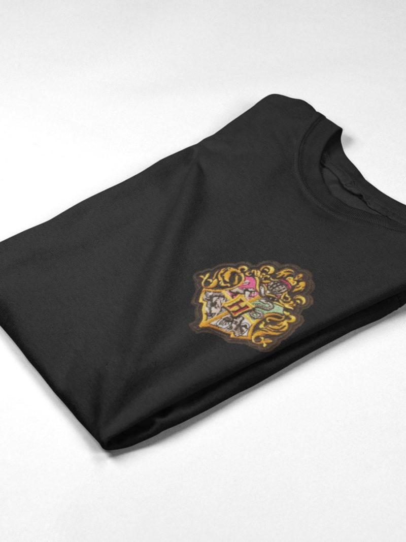 camiseta hogwarts negra doblada