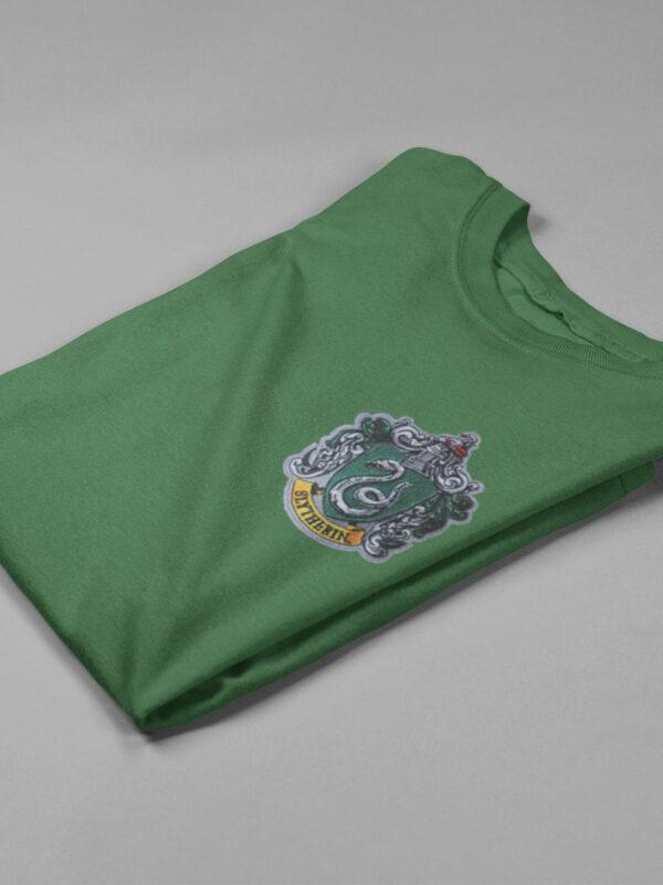 camiseta slytherin verde doblada