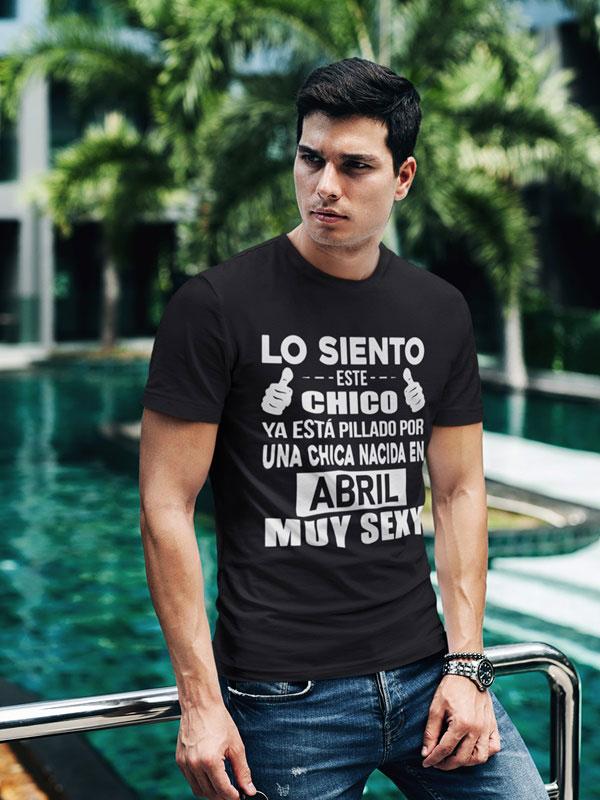 camiseta negra con frases graciosas abril