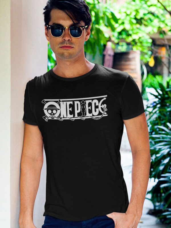 camiseta one piece logo negra