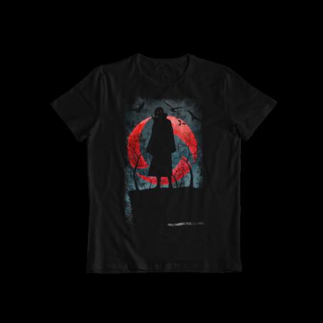 Camiseta Itachi Uchiha entre sombras