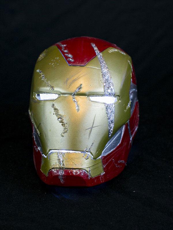 casco dañado Ironman